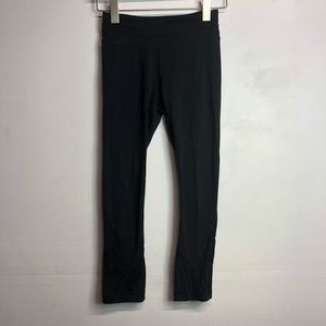 Lululemon long 3/4 cropped leggings size 2 black